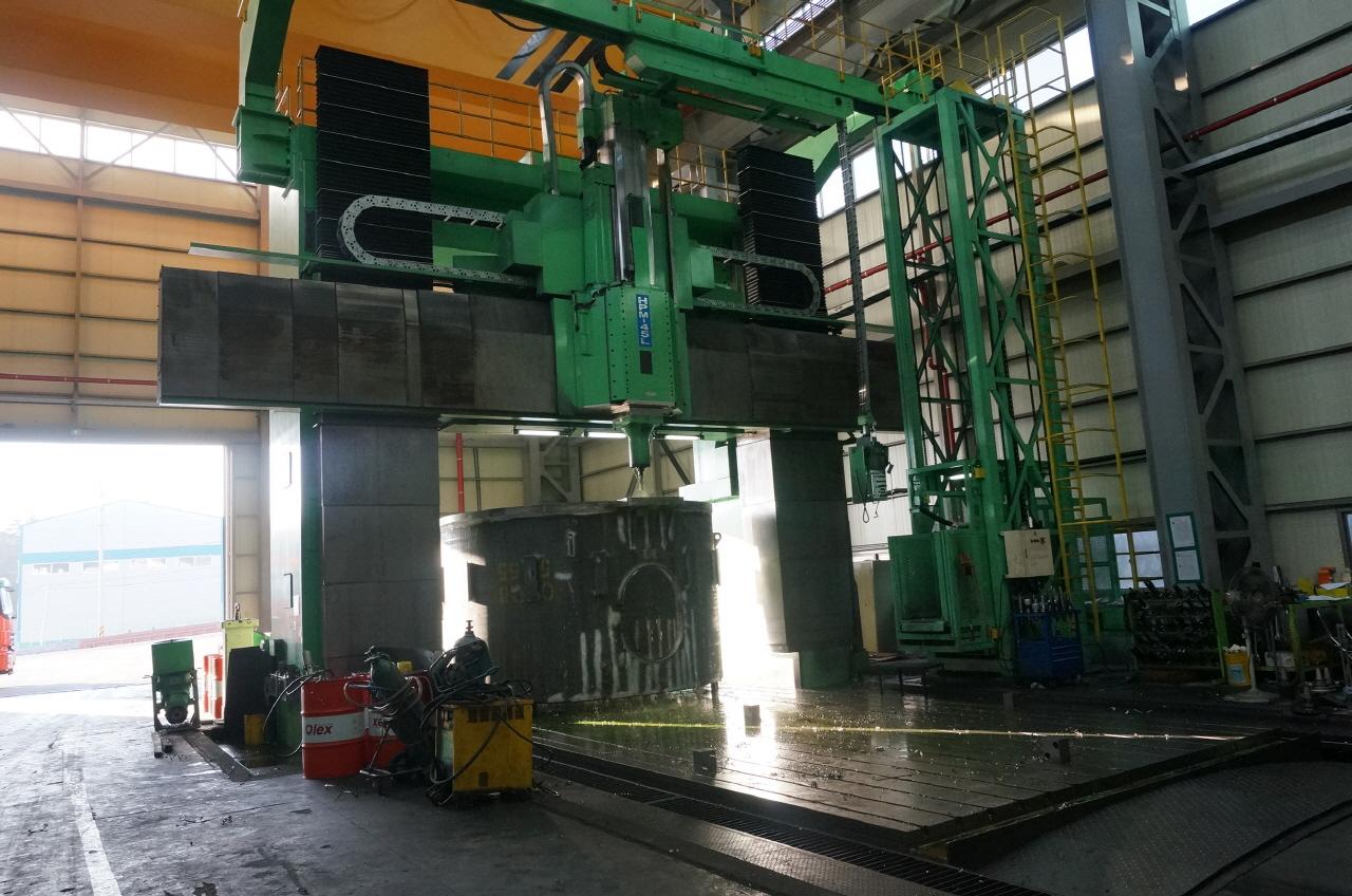 Hnk Hpm 45l Cnc Double Column Heavy Duty Plano Milling